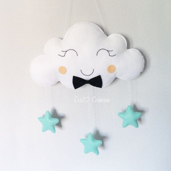 A beautiful option for your babys room, or in the door, above the changing all bedside table. Fully customizable with colors you would like according to stock availability. Dimensions: 24 / 44cm Material: Merino felt Hand embroidered face. The price of postage can be changed