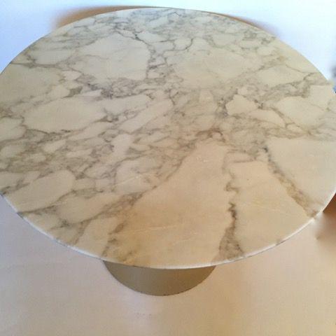 Knoll Saarinen Table with Calacatta Oro Marble Top