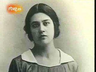 Mujeres en la historia - María Moliner: los libros http://www.rtve.es/alacarta/videos/personajes-en-el-archivo-de-rtve/mujeres-historia-maria-moliner-libros/987624/ #MariaMoliner