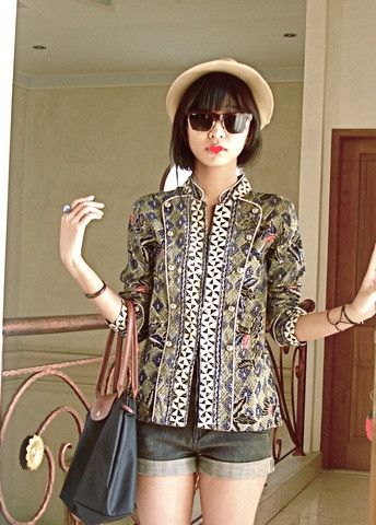 Ray Ban Max Austin, My Own Design Blazer, Longchamp Black Bag, Cocopink Short