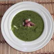 Krémová špenáto-fazolová polévka recept - Vareni.cz
