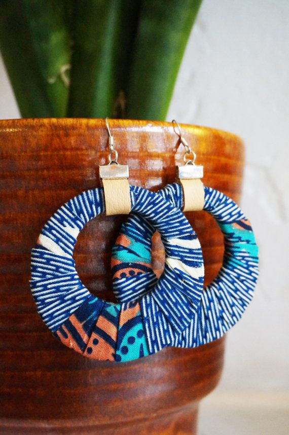 Earrings wrapped in African waxprint. Circle, Oval or Square shaped €12 Ubuntu-Wear
