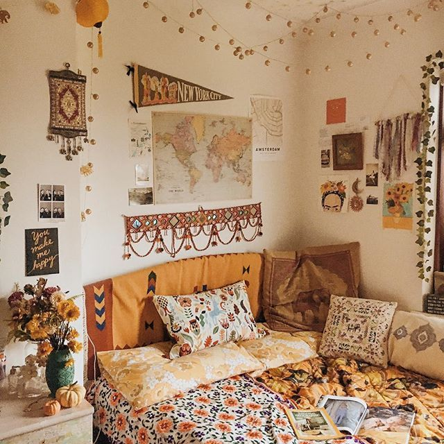 One I Of The Things I Love To Doing At This Time Of Year Especially When It S A Rainy Day Is Change M Dorm Room Walls Dorm Room Decor College Dorm