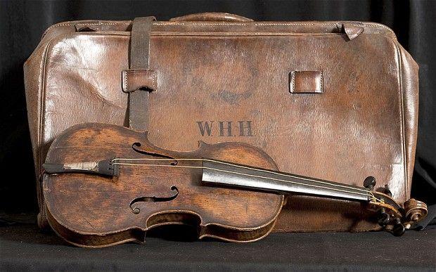 Subastan el violín que sonó mientras el Titanic se hundía http://caracteres.mx/subastan-el-violin-que-sono-mientras-el-titanic-se-hundia/?Pinterest Caracteres+Mx