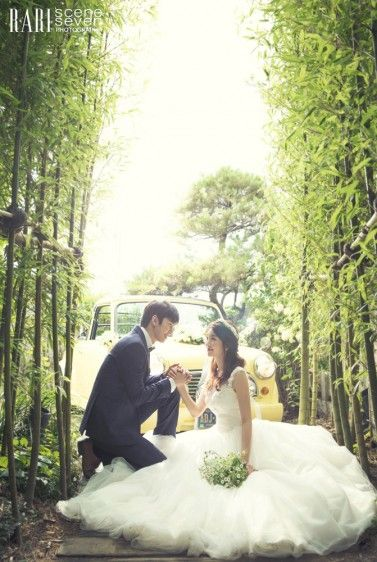 So romantic #WeddingPhotography #KoreanWedding #WeddingInspirations