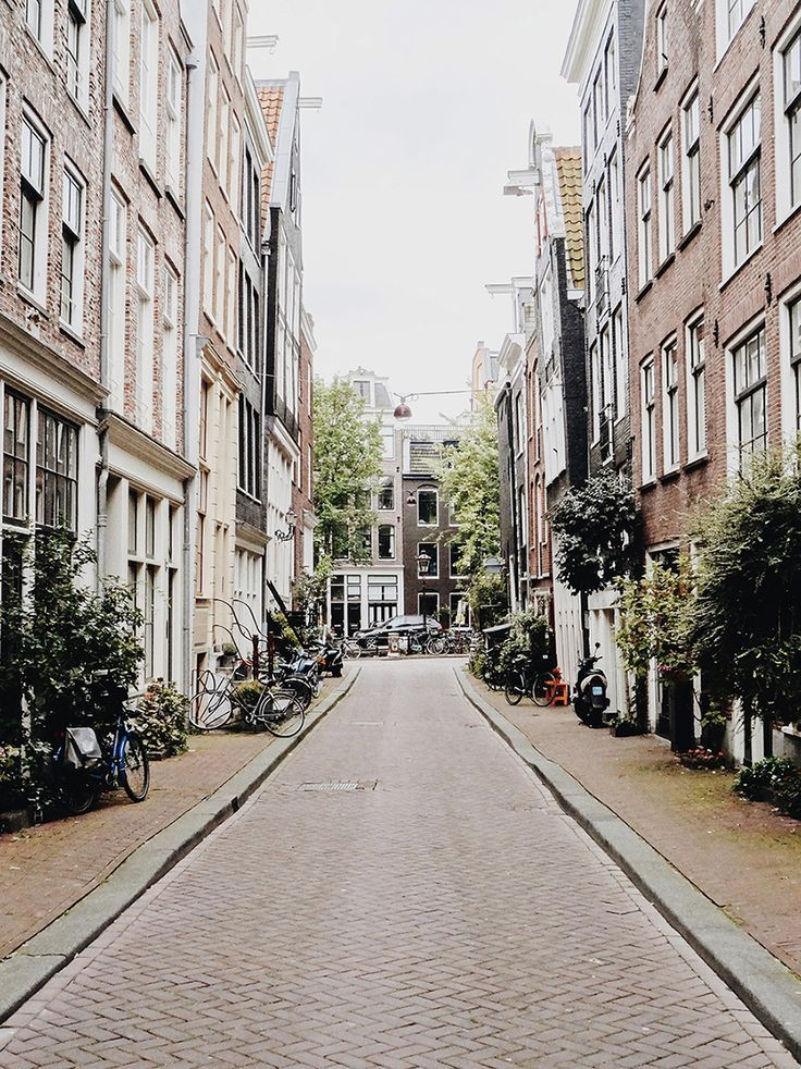 1056 best old narrow streets images on pinterest places for Architecture firm amsterdam