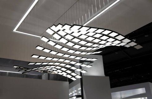 Gorgeous Kinetic Light Uses OLED Technology, Moves to Preprogrammed Choreographies
