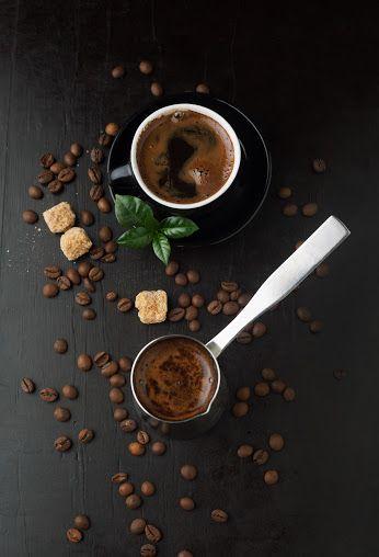 Dzisiaj dzień dużego rozmiaru. Zacznij dzień z dużą włoską kawą lub dużą francuską herbatą kusmi tea. Tylko 5 zł na Chmielnej 16.