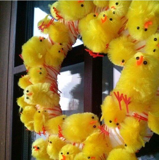 Pääsiäiseksikin voi laittaa ovikranssin