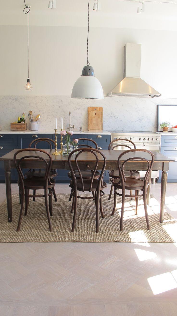 Mörkblått kök – Interiorstories