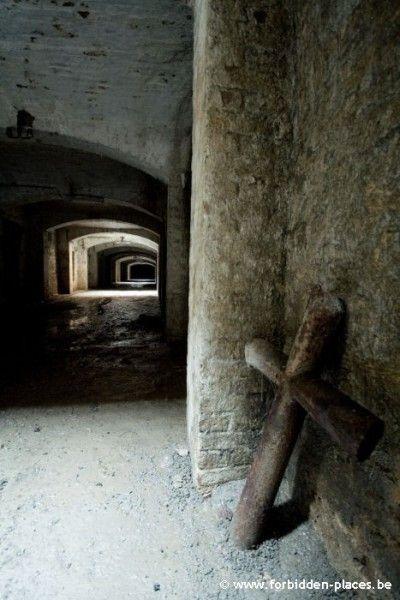 Tunnel into the crypt, Cimetiere de Laeken Laeken, 1020 Bruxelles, Belgium.