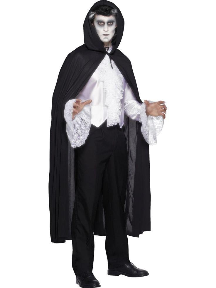 Hupullinen vampyyrinviitta. Hupullinen, musta vampyyrinviitta käy naamiaisasusteeksi niin naisille kuin miehillekin.