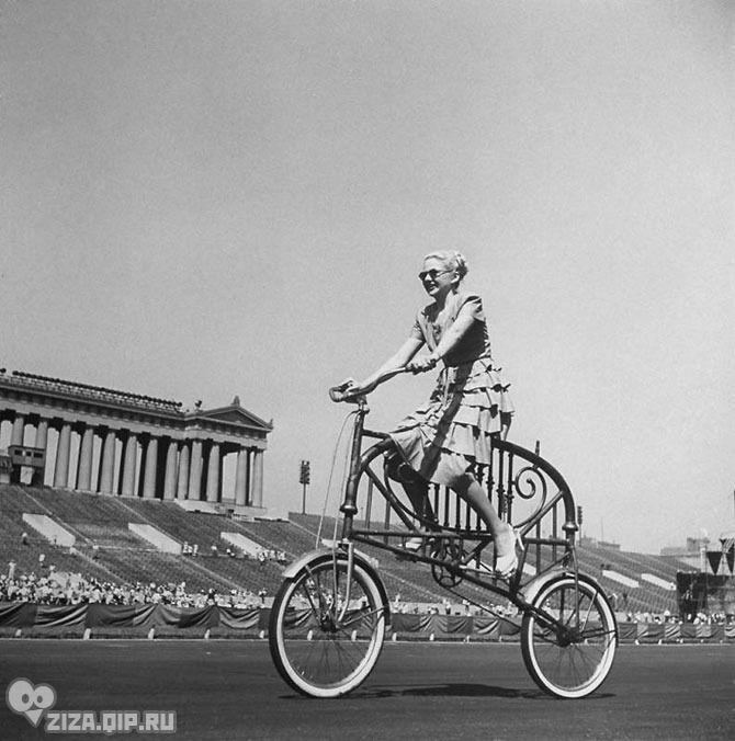Удивительные ретро-велосипеды. Велосипед из спинки кровати был придуман также Джо Штайнлауфом, к которому эта идея пришла как-то раз утром, когда он беззаботно валялся в постели.