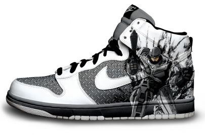 Custom Made Nike Batman & Robin Shoes Along with Several More Geek Designs! - News - GeekTyrant