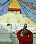 images of buddhists at worship | What do Buddhists believe - Beliefs of Buddhism