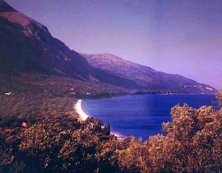 Μοναδική έγχρωμη φωτογραφία από την παραλία Μπαρμπάτι - Κέρκυρα