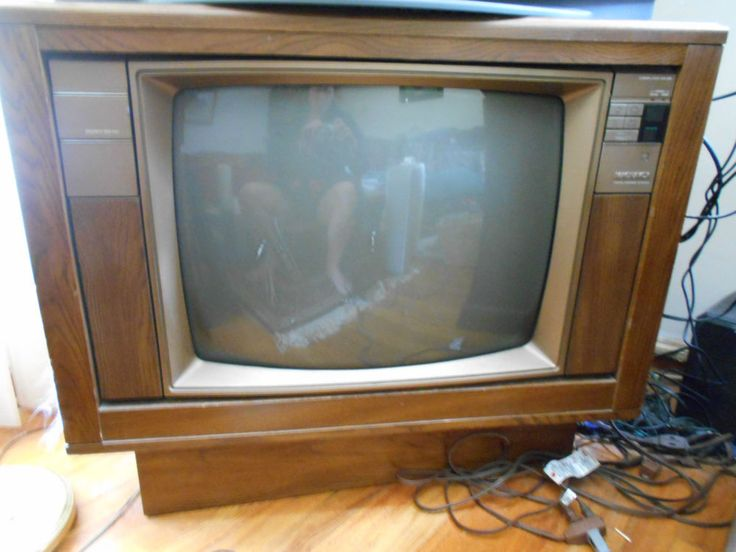 Vintage Magnavox Color Console Tv Set Tube Free Local