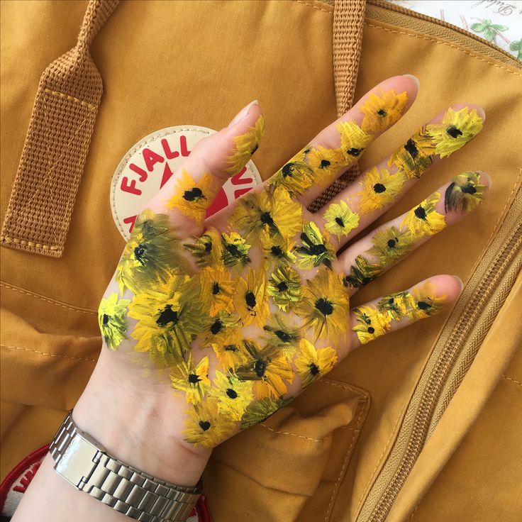 Painted my hand in art class IG: @sungoessdown