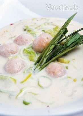 Pórová polievka s drožďovými knedličkami