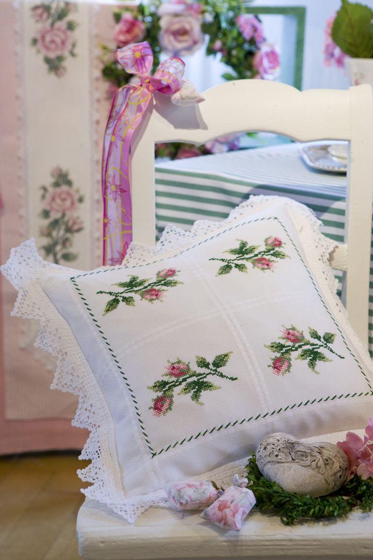 Traumhafte Rosenmotive ... Design : Gerlinde Gebert Shop: www.gebert-handarbeiten.de