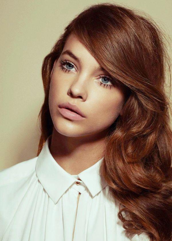 Pitkät, ruskeat hiukset