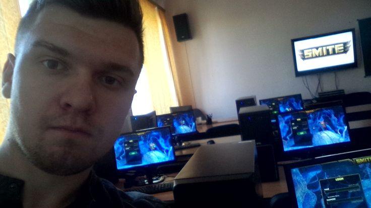 Учебный год у студентов не закончен, поэтому фотка с места работы) В компьютерном классе)  #SmiteEverywhere #Smite #Смайт #SmiteProRu