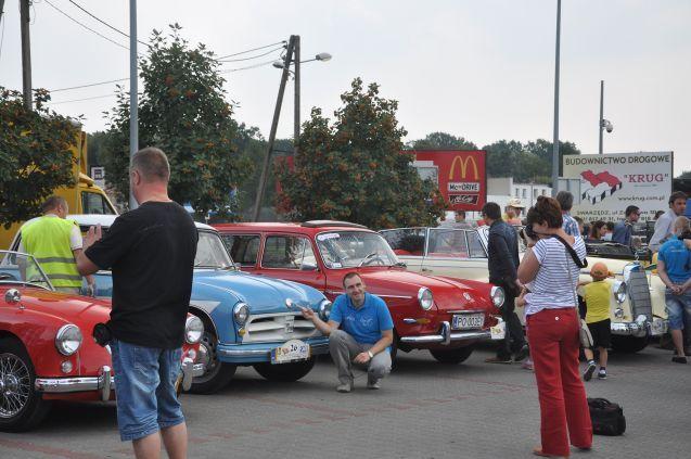 Piknik Trzech Pokoleń 2013 - parada starych samochodów