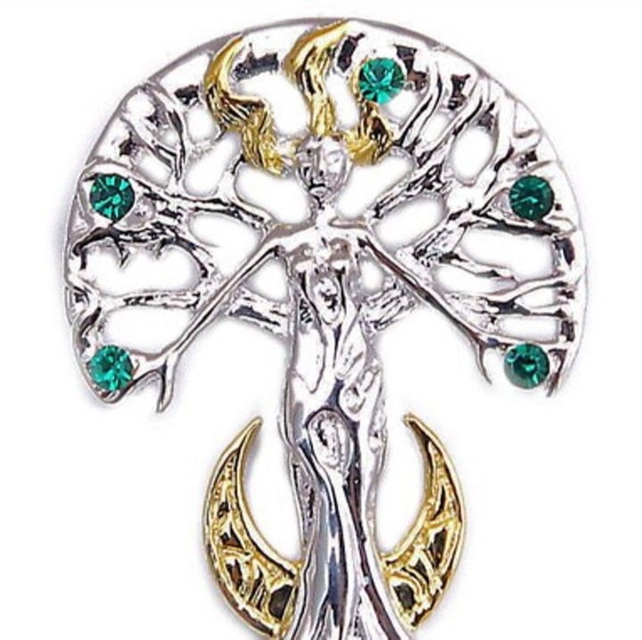 Supernaturelles by Anne Stoke in stock they are absolutely gorgeous. http://ift.tt/2fFpaD4 #annestoke #paganstore #wiccanstore #newagestore #metaphysicalstore