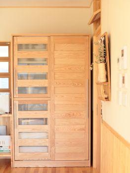 引き戸食器棚