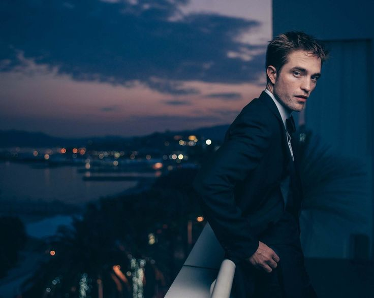 Another New Gorgeous Shot of Robert Pattinson from Cannes in Paris Match French Mag