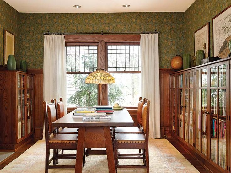 A classic Arts & Crafts library, enlivened with William Morris wallpaper. (Photo: Gridley + Graves)