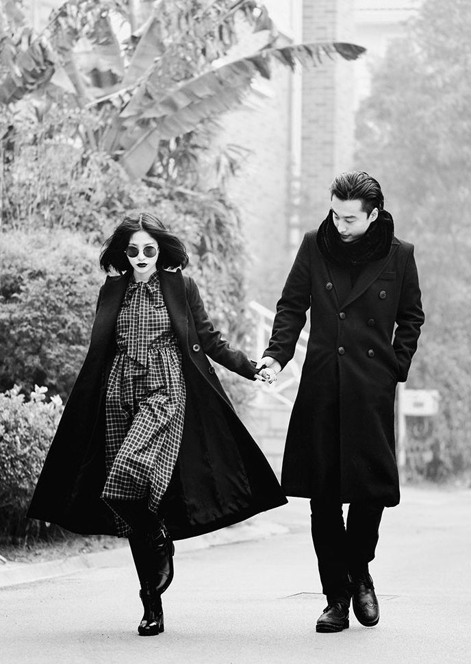 Black, classy, casual, amazing, cute couple... what else ? oversize coat. Again. Love it...(asian street style)