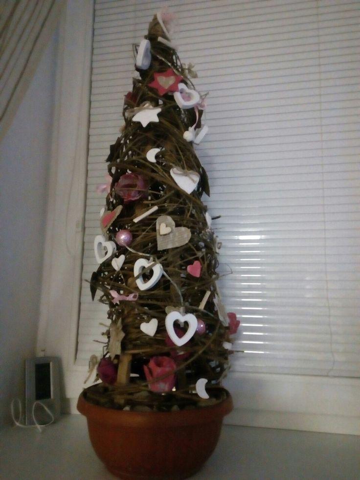 Stromeček z větviček
