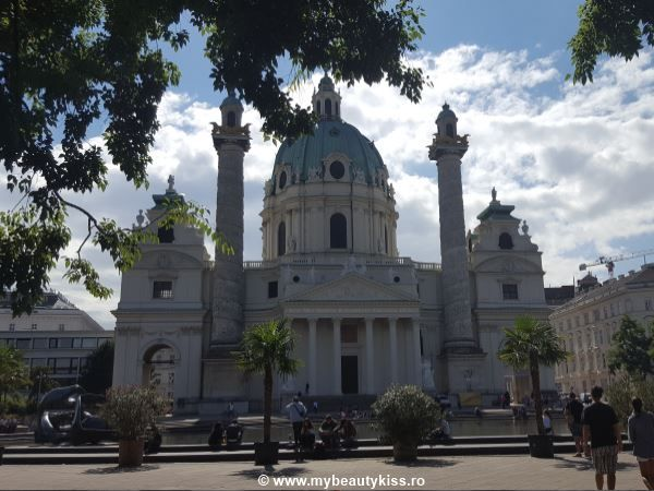 Travel Journal:  St. Charles Church in Vienna http://www.mybeautykiss.ro/jurnal_de_vacanta_viena_2016.php