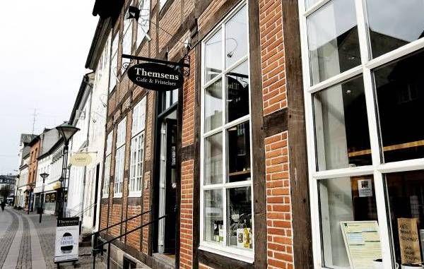Themsens - Café og Fristelser Overgade 32 5000 Odense C Tlf. 40 23 51 21 http://www.themsens.dk/
