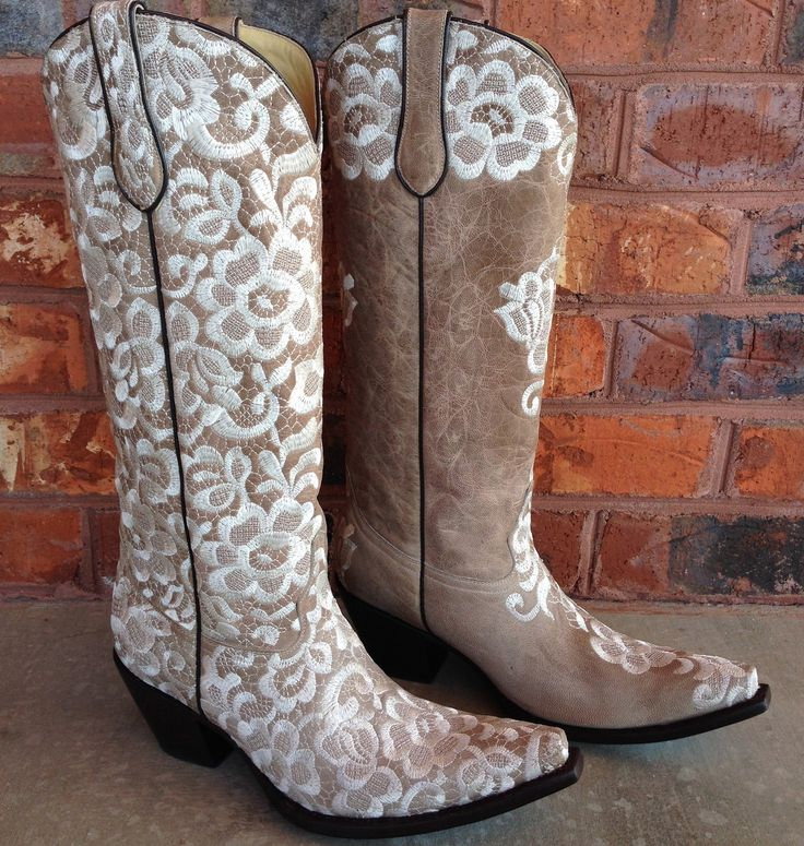 Wedding Cowgirl Boots: 17+ Best Ideas About Wedding Cowboy Boots On Pinterest
