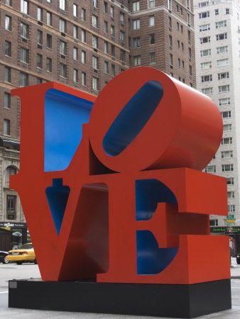 Typografie in 3D(kunstwerk van Robert Indiana)