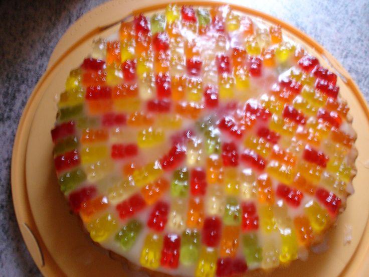 Gummibärchen-Kuchen - Rezept | DasKochrezept.de