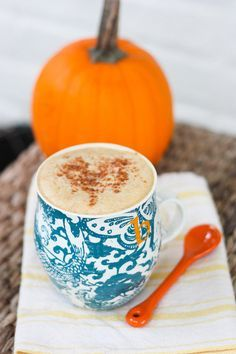 Healthy Homemade Pumpkin Spice Latte: Nothing signifies the start of Fall quite like a pumpkin spice latte, but skip the sugary Starbucks latte for this healthy homemade version instead.