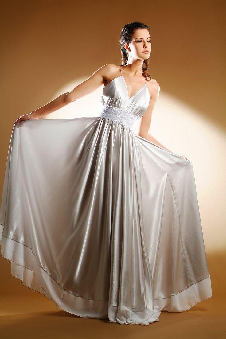 esküvői ruha szürke szatén