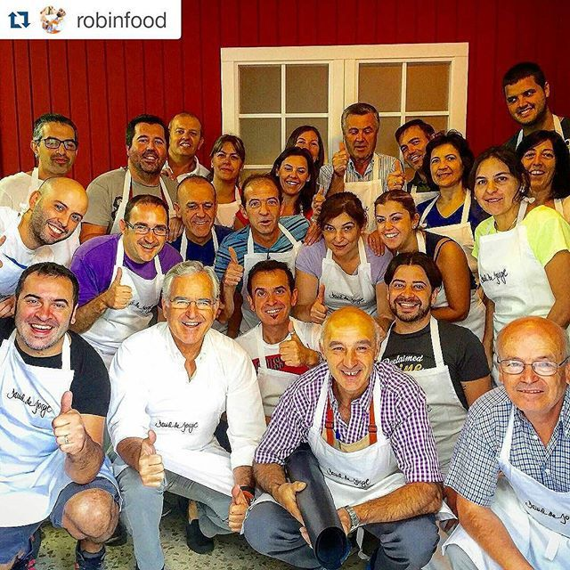 #Repost @robinfood  The Ubrique connection! Guapos y almidonaos! Viva Andalucía! ================================ Sobran las palabras...... #family #benchbags #craftsmanship