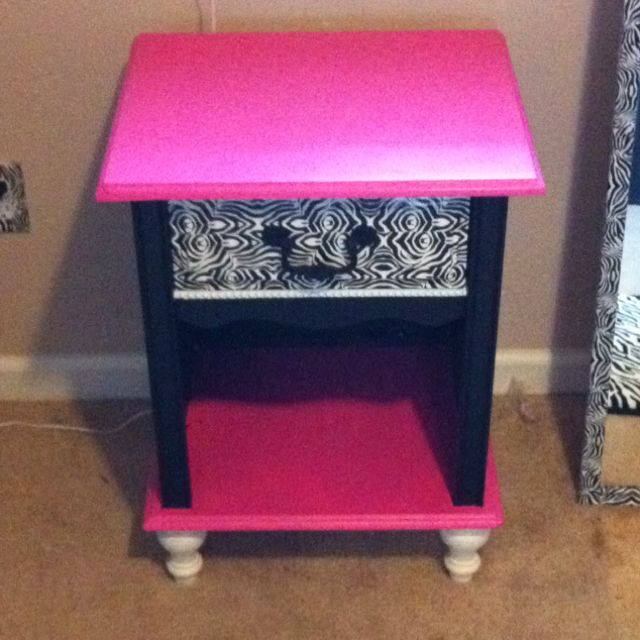 I Painted Maisenu0027s Little White Night Stand To Match Her Black, Hot Pink  And Zebra