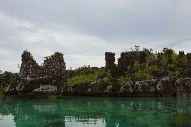 Keindahan pulau yang ada di misol luar biasa