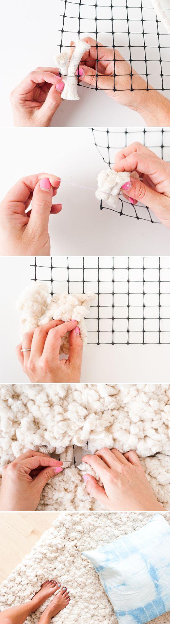 Comment fabriquer un tapis cocooning en morceaux de laine à partir d'une grille métallique pour un intérieur scandinave et hygge.
