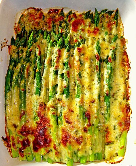 Albertos grüner Spargel mit Parmesancreme, ein raffiniertes Rezept aus der Kategorie Gemüse. Bewertungen: 270. Durchschnitt: Ø 4,4.