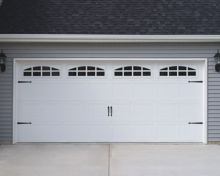 How To Find Discount Garage Doors With Images Carriage Garage
