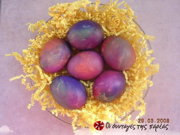 Βάψιμο αυγών με χαρτάκια #sintagespareas