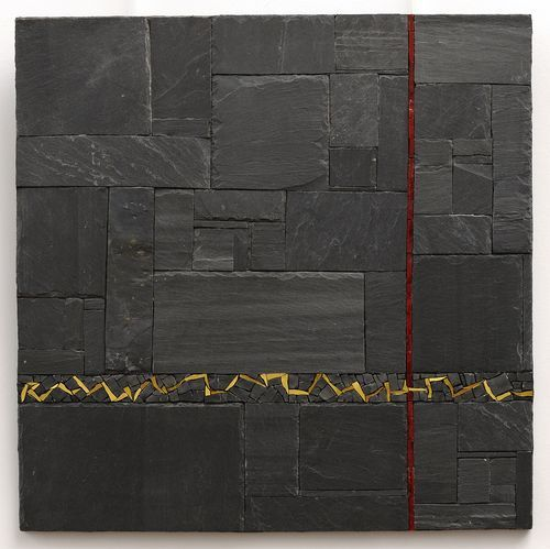 Sylvie Hénot Tempo rouge, mars 2011 Ardoise, marbre noir de Belgique, émaux de verre, support bois.