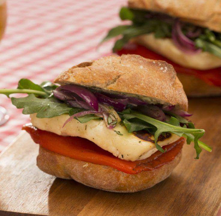 Vegetarischer Burger mit Halloumi