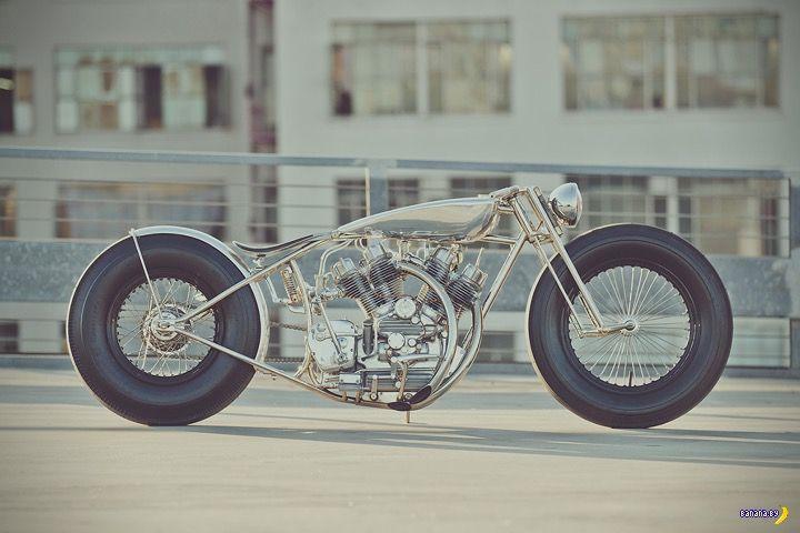 Самый быстрый мушкет http://chert-poberi.ru/interestnoe/samyj-bystryj-mushket.html  Не станем отрицать, что у редакции сайта несколько предвзятое отношение к мотоциклам и мотоциклистам. Но не восхищаться действительно красивыми мотоциклами мы не можем. Это настоящее чудо, причем как с инженерной точки зрения, так и эстетической. Вот какие-то ребята из гаража Hazan Motorworks создали мотоцикл под названием Musket, собрав два двигателя 500cc Royal Enfield в один […]Запись Самый быстрый мушкет…